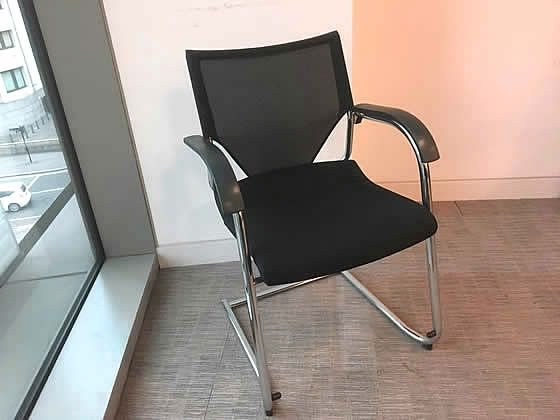 Wilkhahn black mesh back office meeting chairs