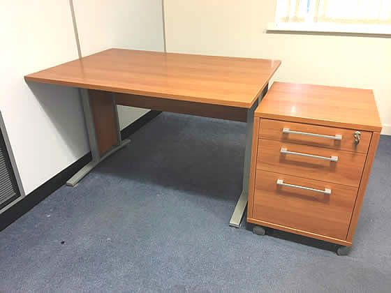 1200mm Executive cherry desk with matching mobile pedestal included