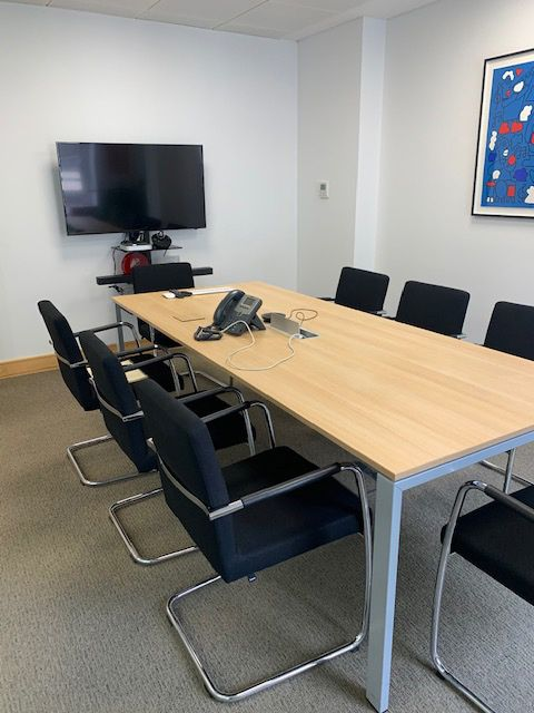 Bene used rectangular meeting table in excellent condition