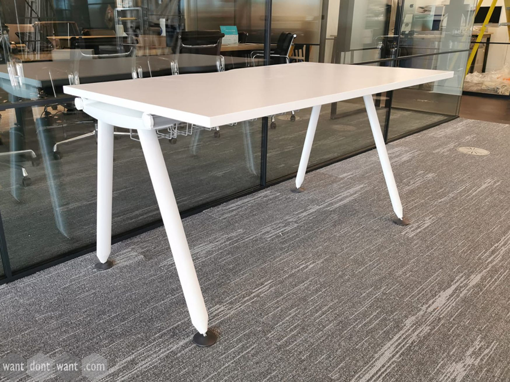 Used 1400mm x 800mm White Herman Miller Abak Desks with White Legs and Cable Trays