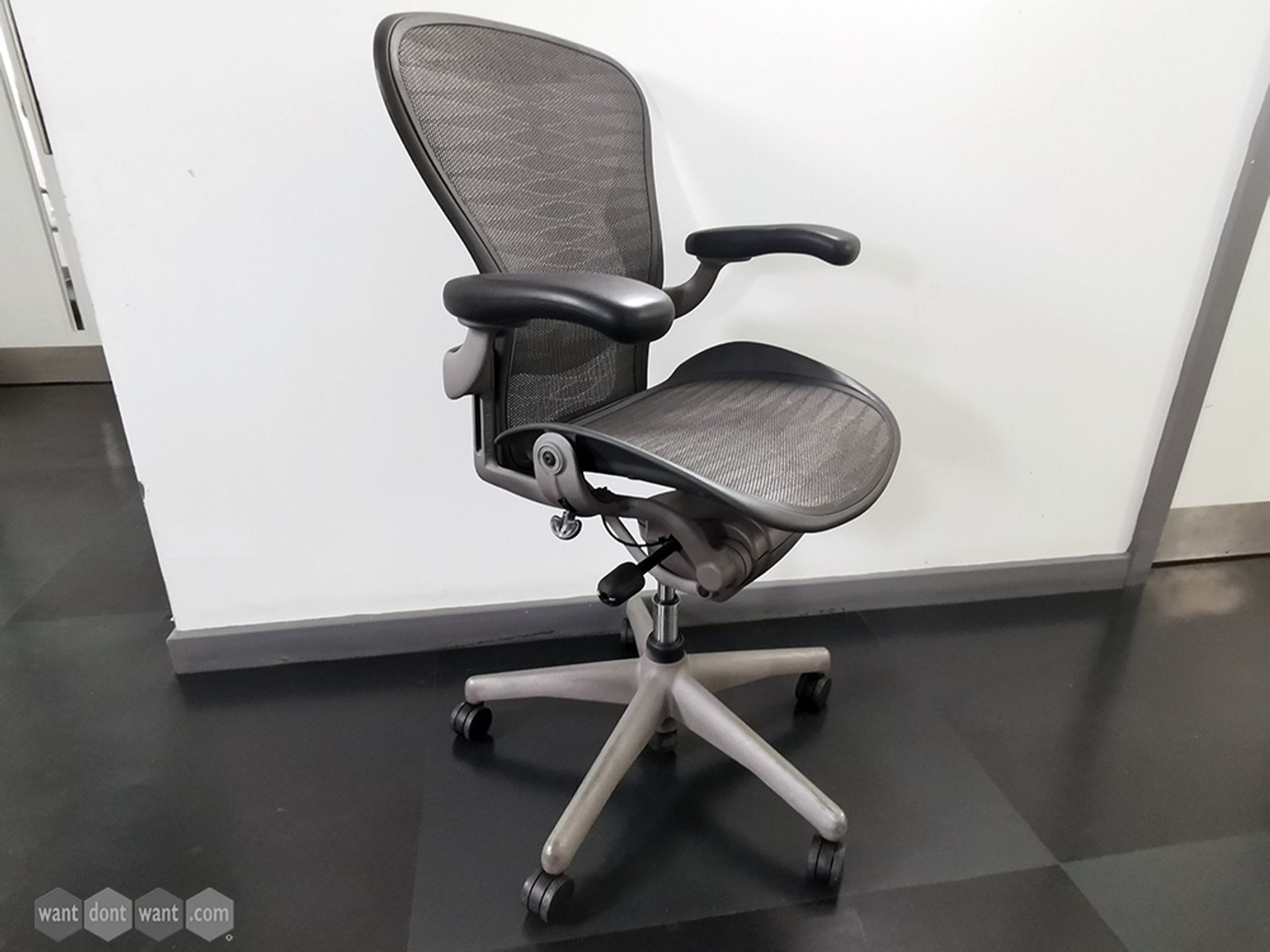 Used Size B Herman Miller Aeron Chairs with Tuxedo Mesh and Lumbar Support