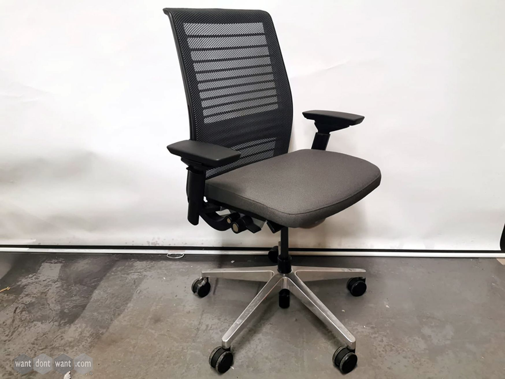 Used Steelcase Think v2 Operator Chairs