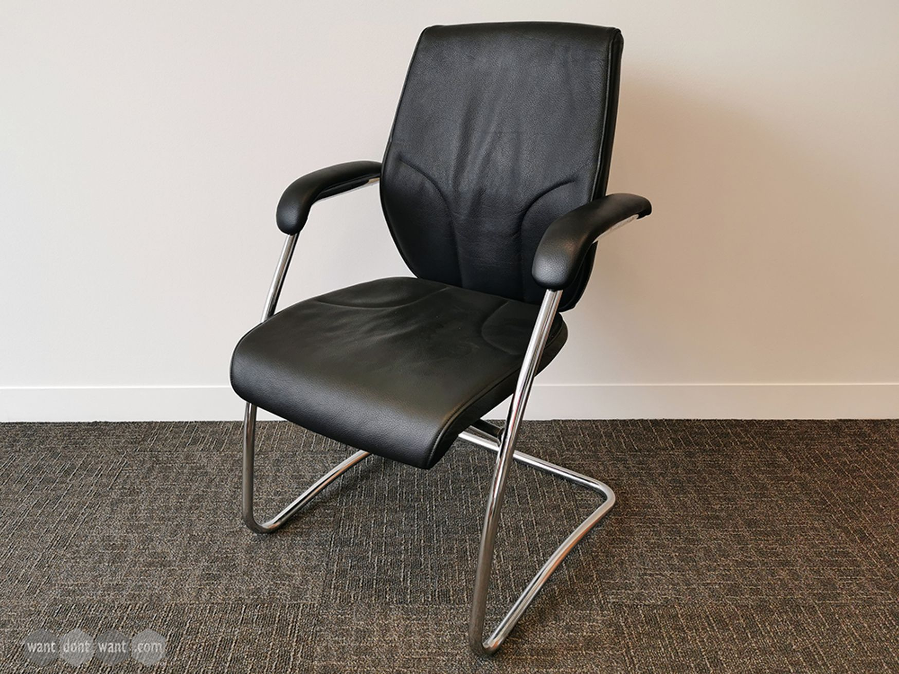 Used Giroflex Black Leather Meeting Chairs