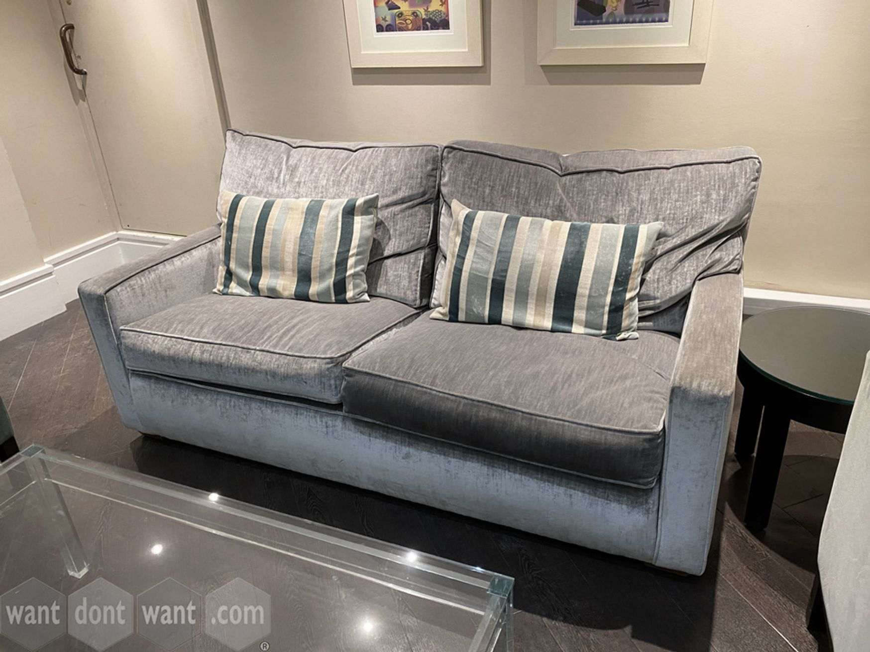 Used 2-seat sofa in very good condition.