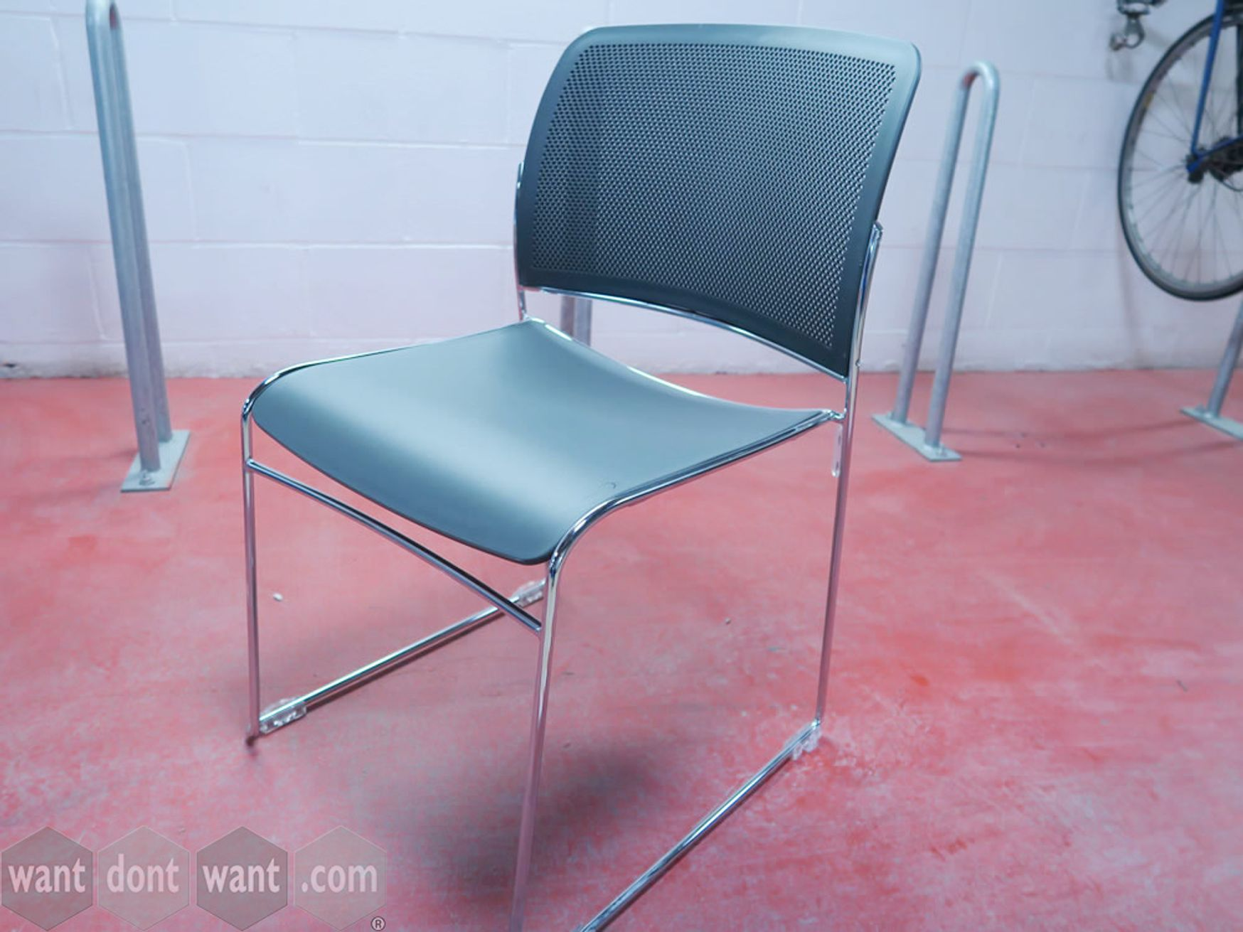 Boss Design 'Star' stacking chairs with grey seat and back