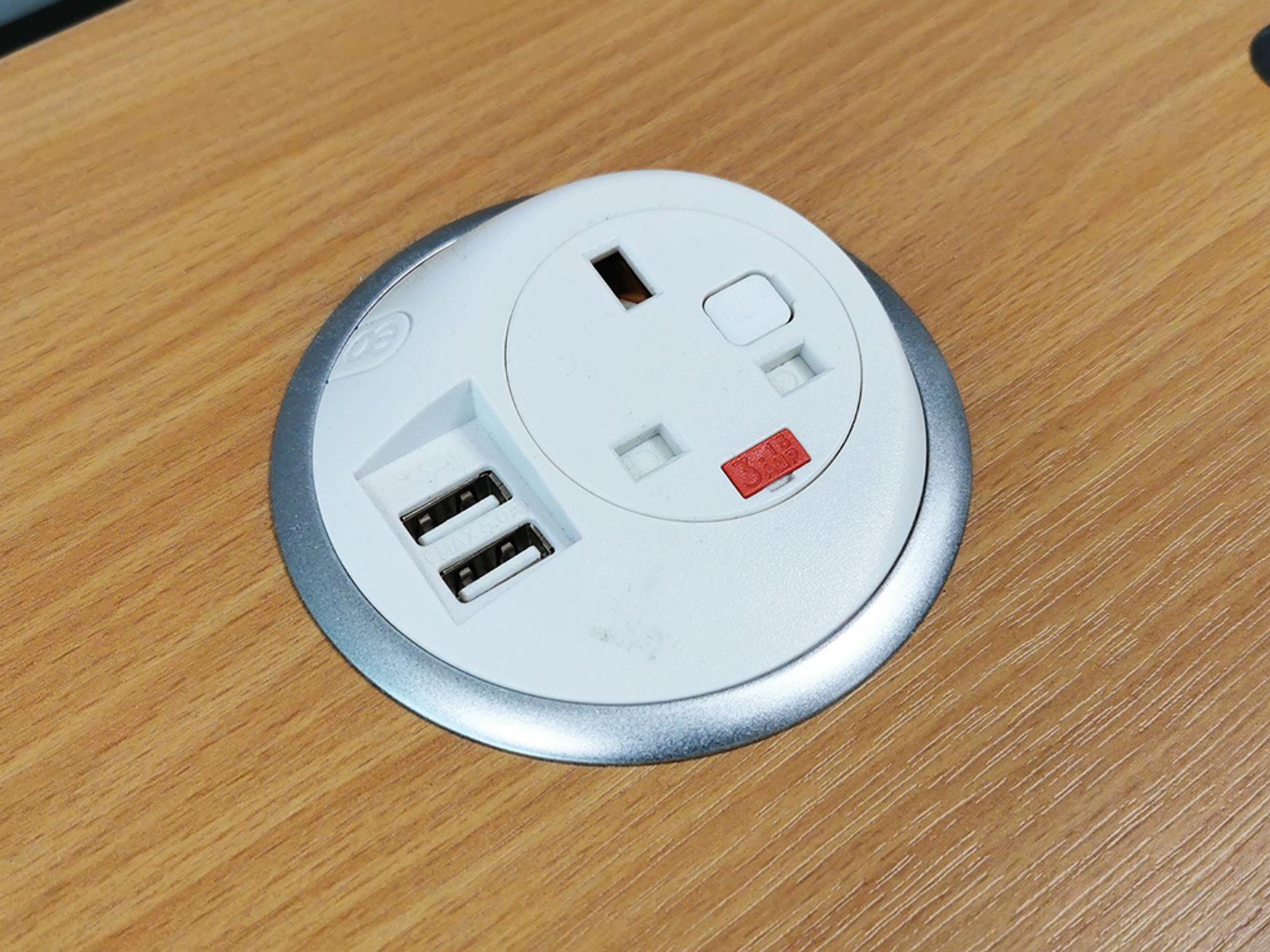 Used OE Electrics Grommet Hole Power Module