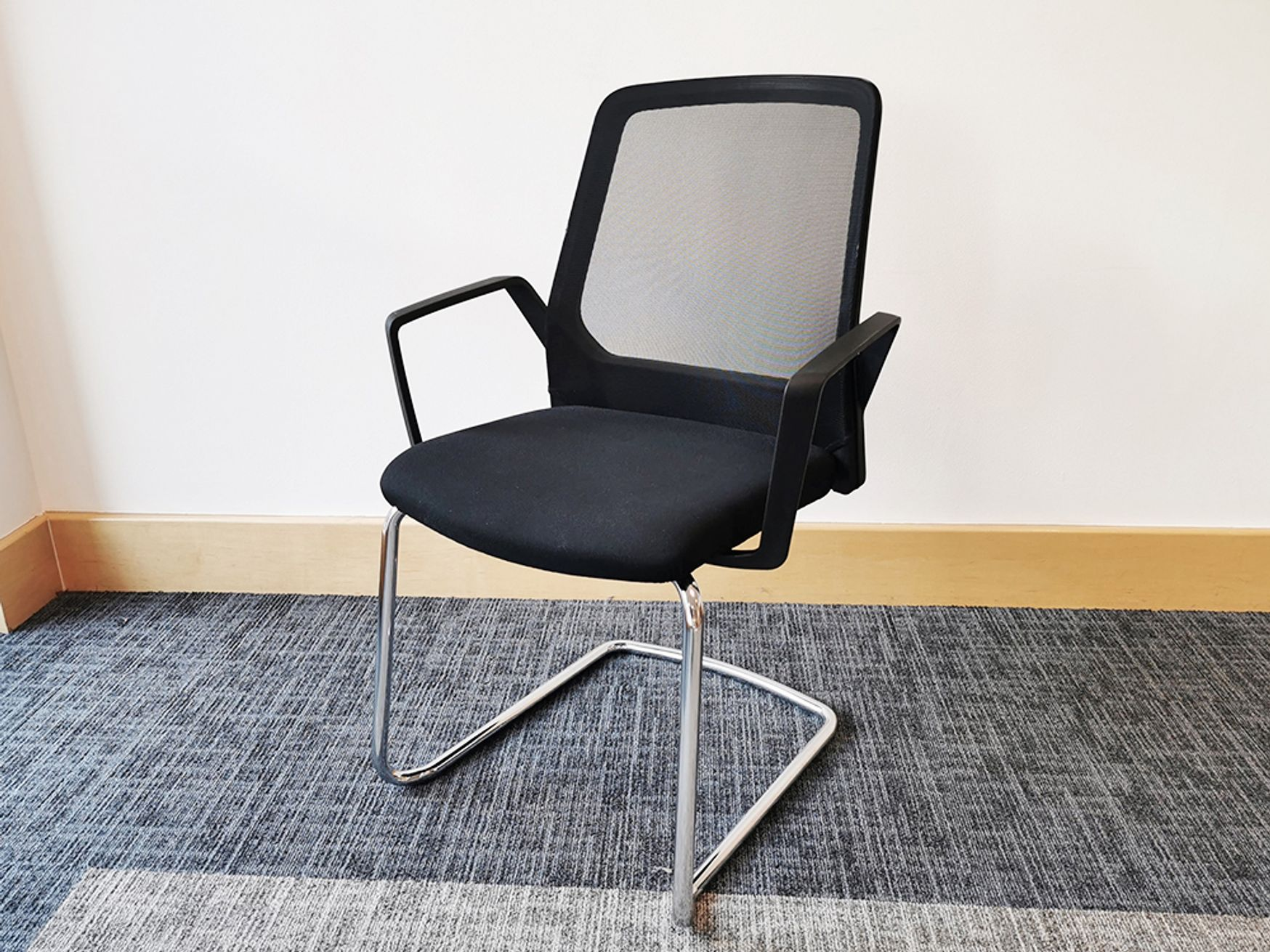 Used Interstuhl Stackable Cantilever Meeting Chair