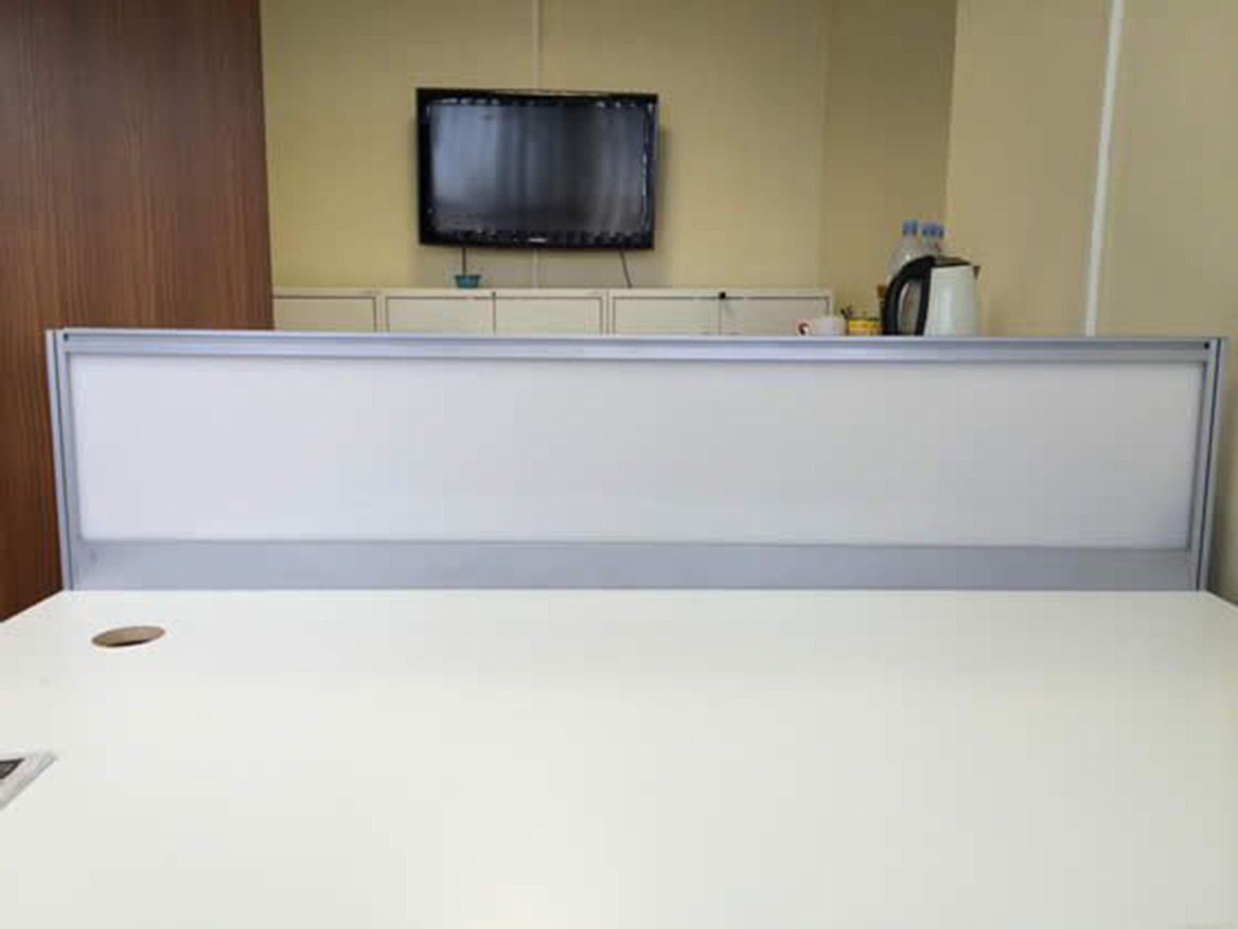 'Techo' perspex desk dividing screens with aluminium frame.