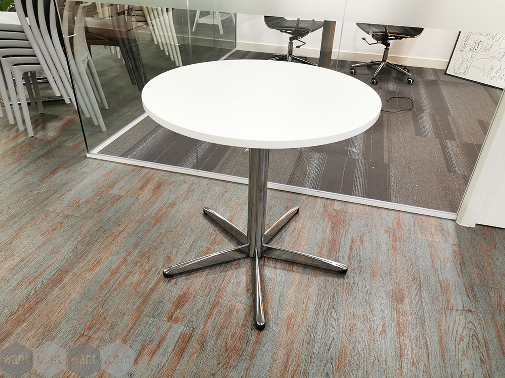 Used 800mm White Circular Meeting Table