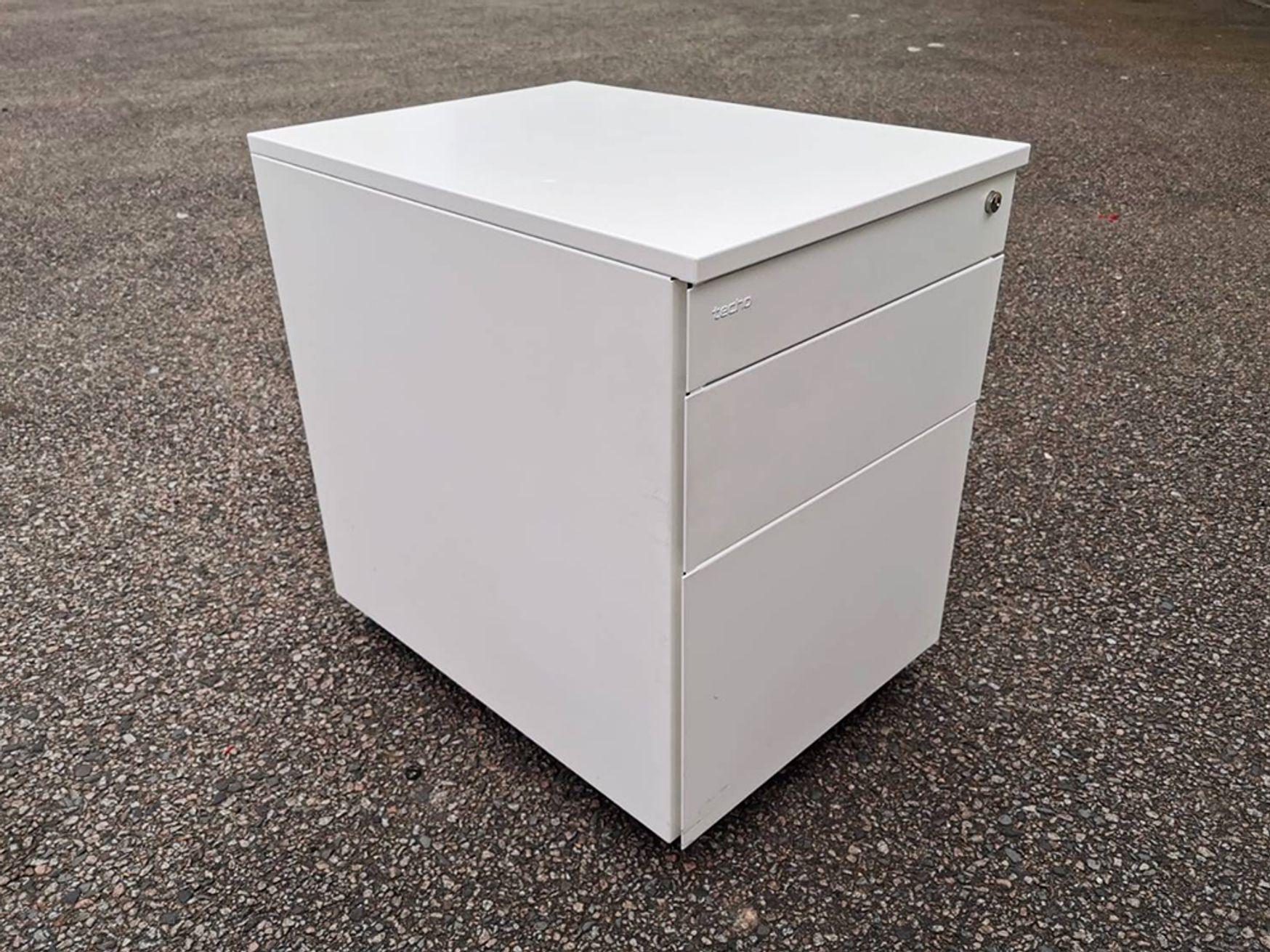 Used White Techo 3 Drawer Under Desk Pedestals