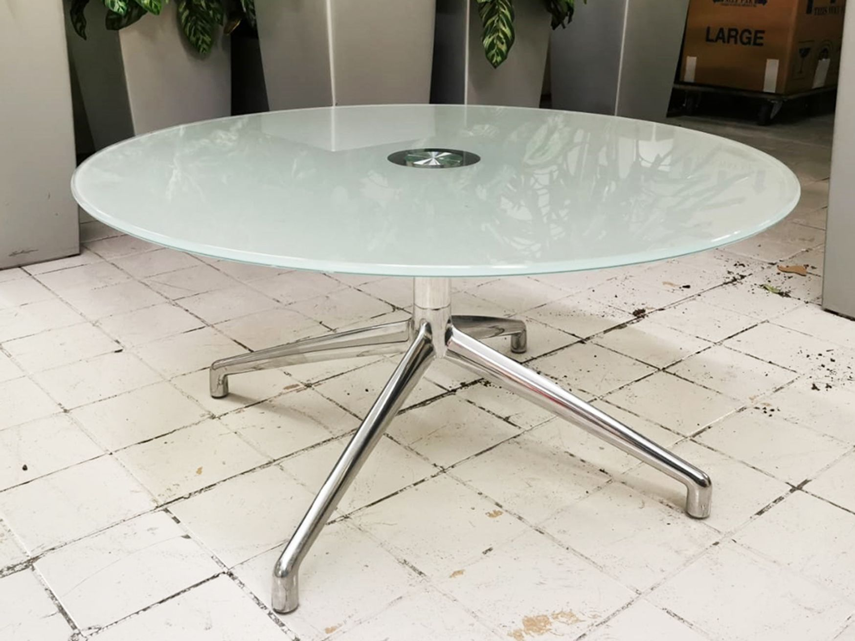 Used Boss Design Kruze Glass Coffee Table
