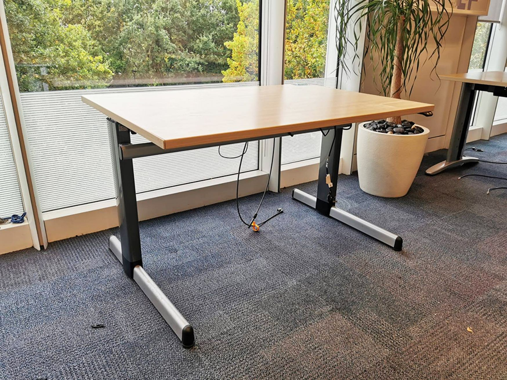 Used 1200mm Electric Height Adjustable Sit Stand Desk