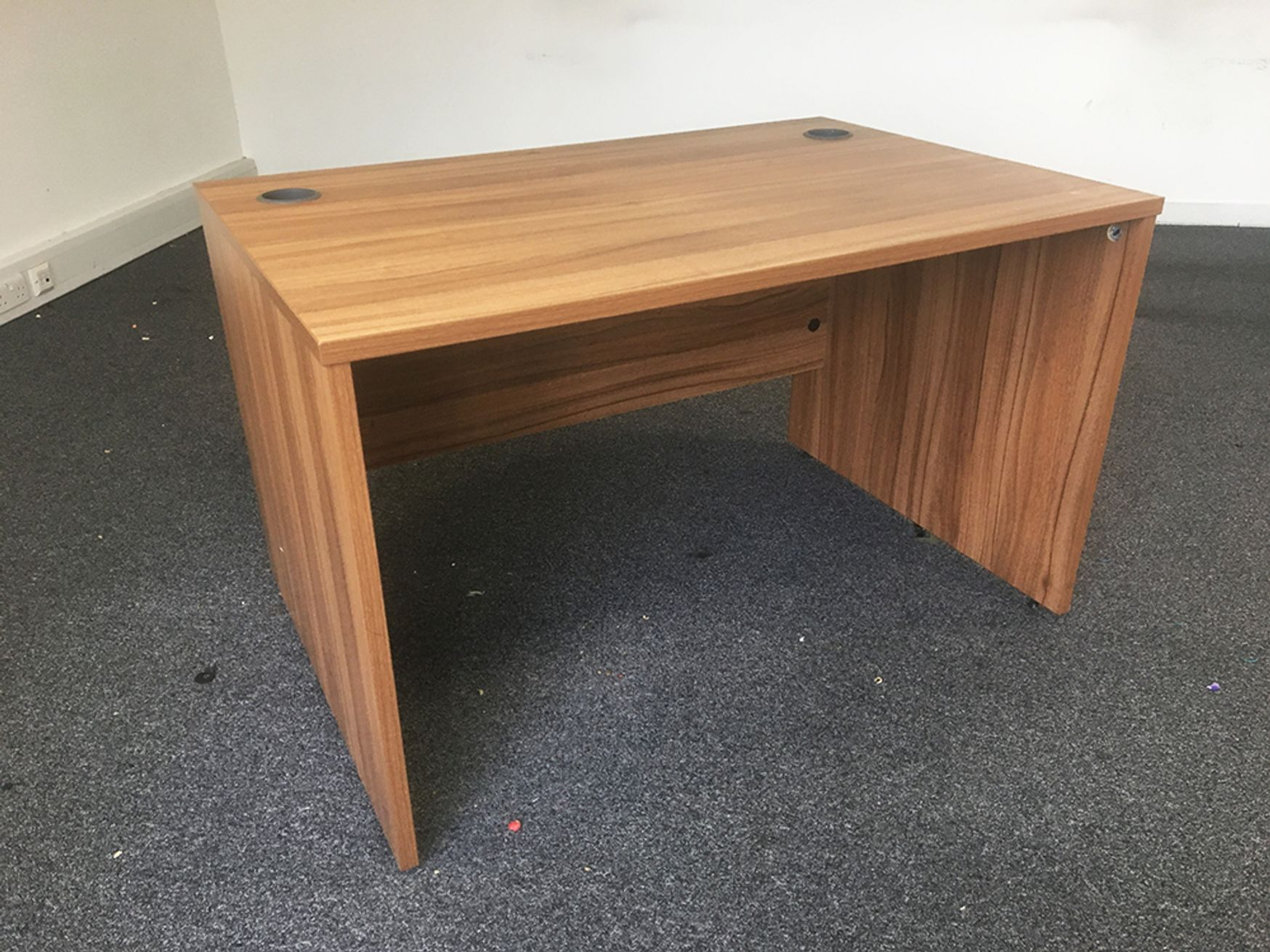 Used 1200mm Sven Panel Ended Walnut Desks