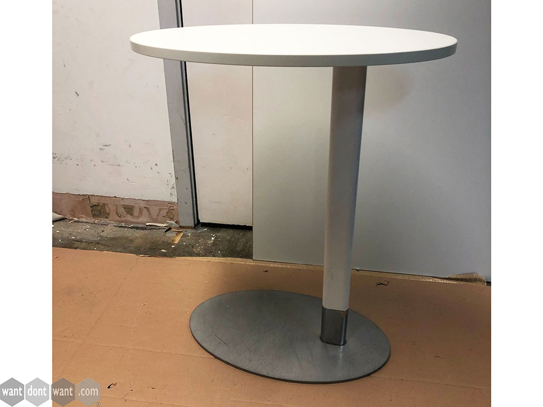 Used Connection Zeus Diner Laptop Tables