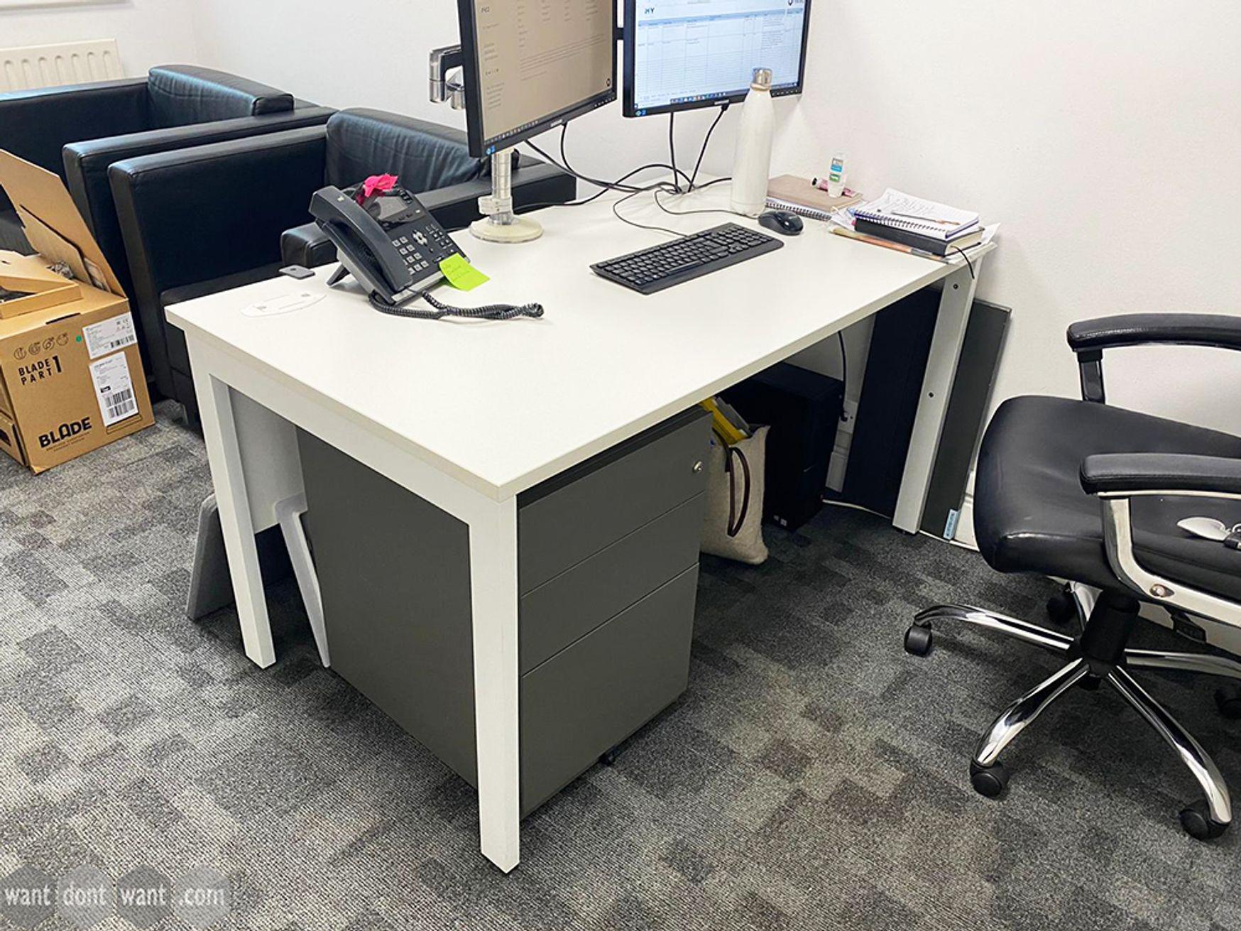 Used 1400mm White Single Desks