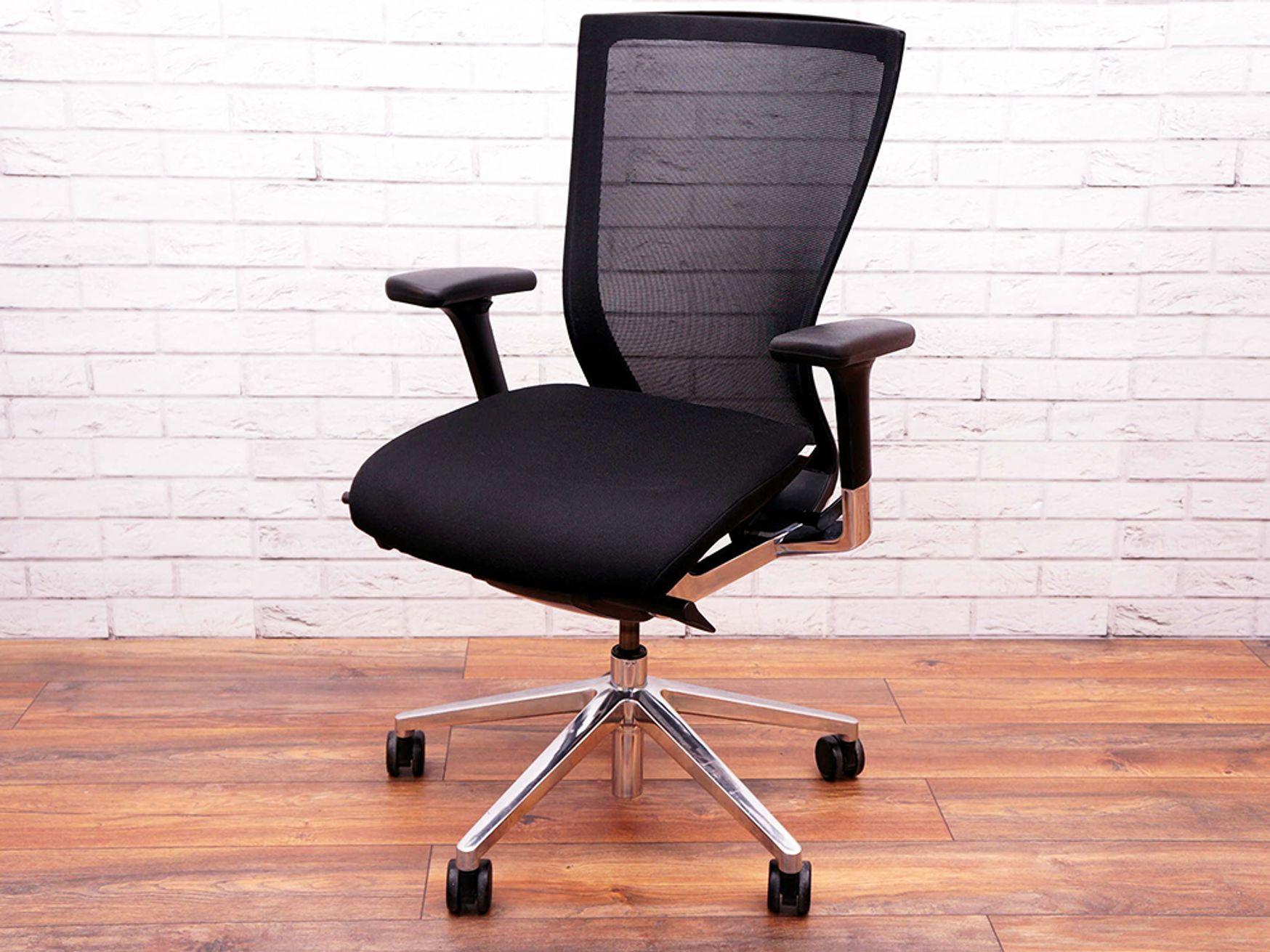 Used Techo Sidiz Mesh-back Office Operator chairs with black seats