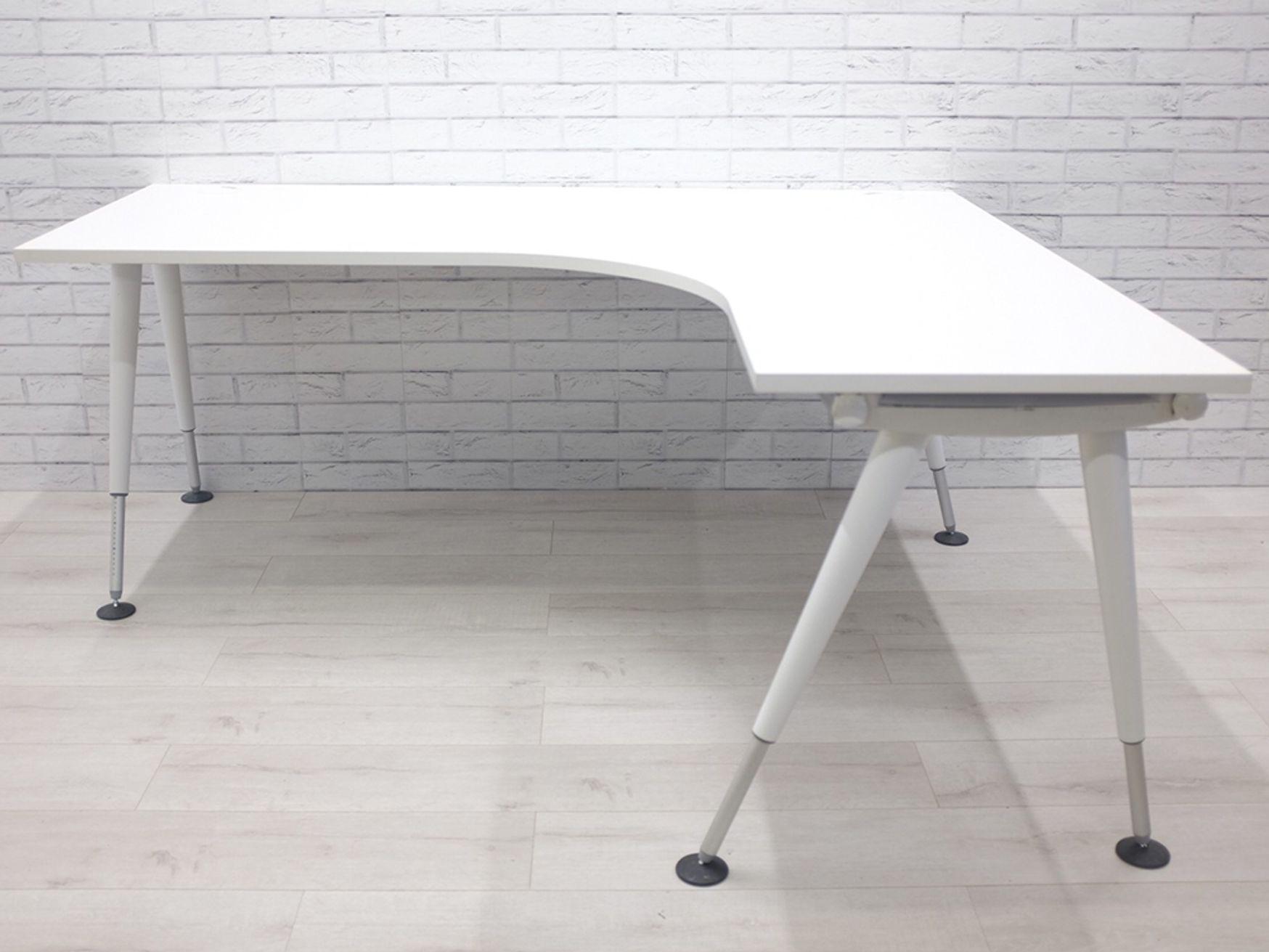 Herman Miller 'Abak' corner desks with White Height Adjustable Tapered Legs