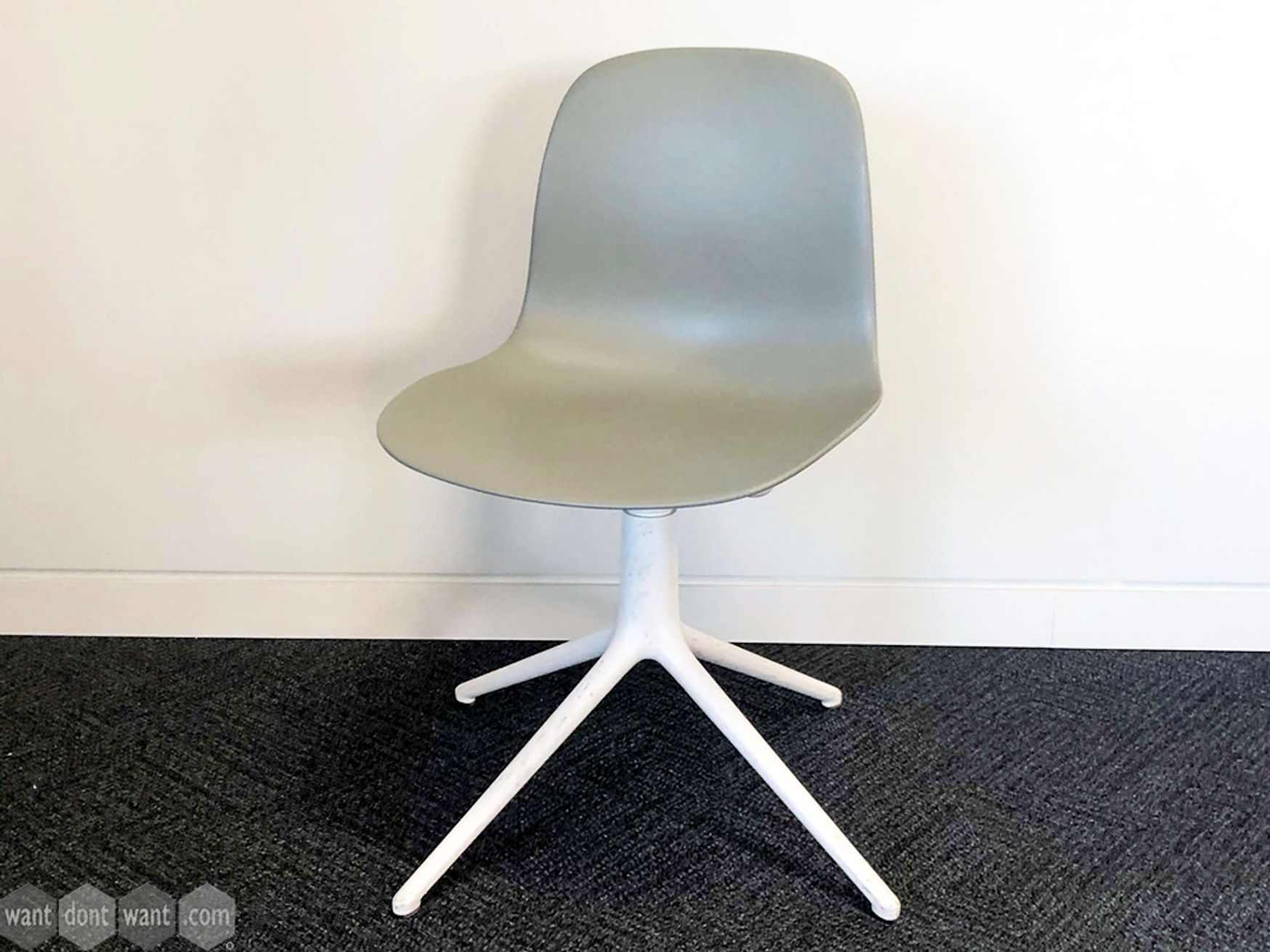Used Normann Copenhagen Form 4L Chairs in Grey & White