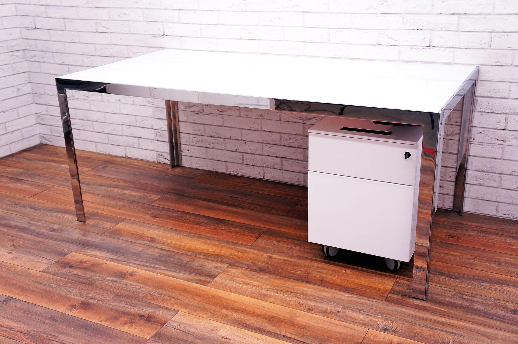 B&B Italia 'Progetto' Desk with White Glass Top and Chrome Frame/Legs