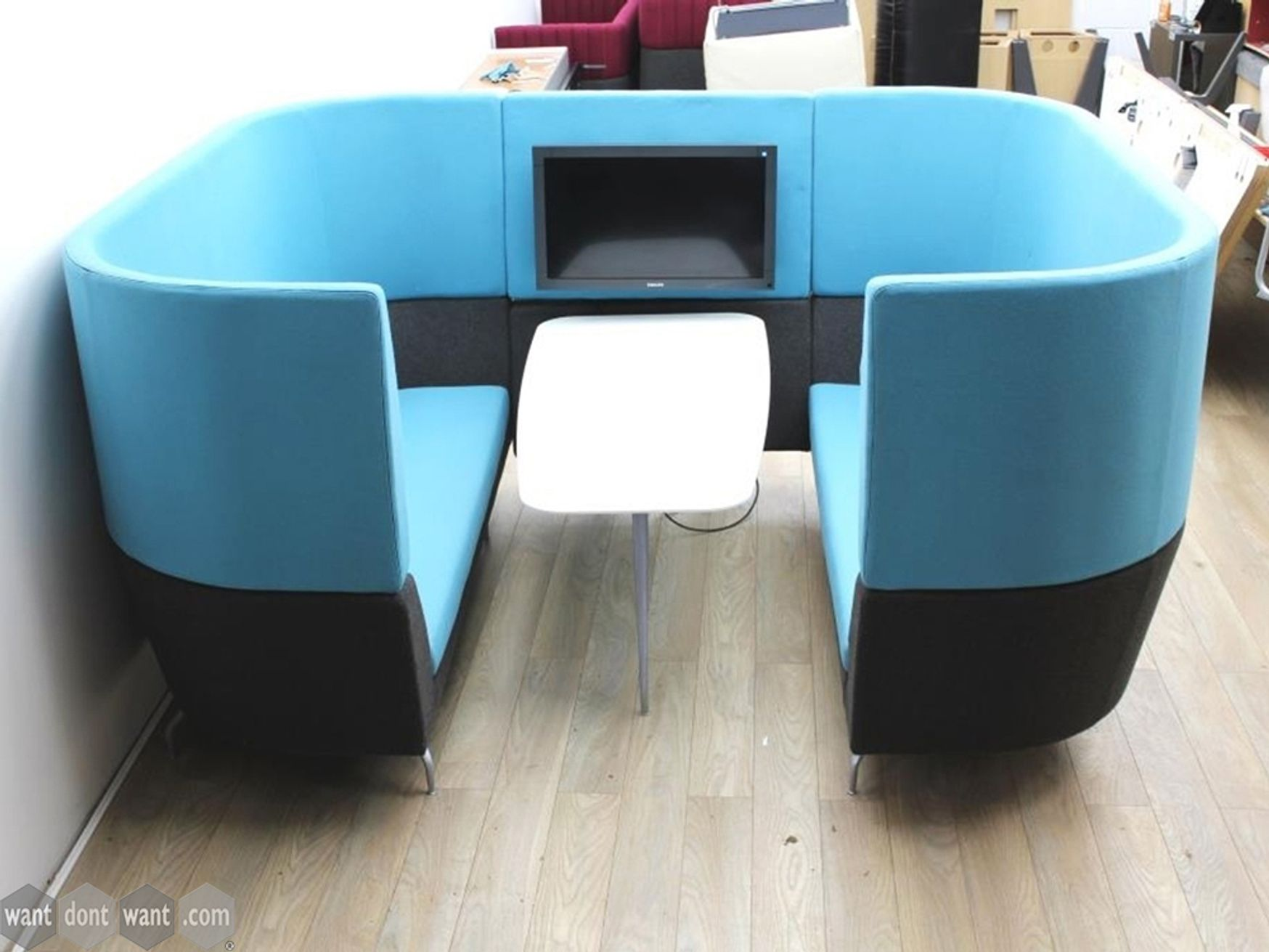 Used Orangebox 4 Seater Cwtch Meeting Pod