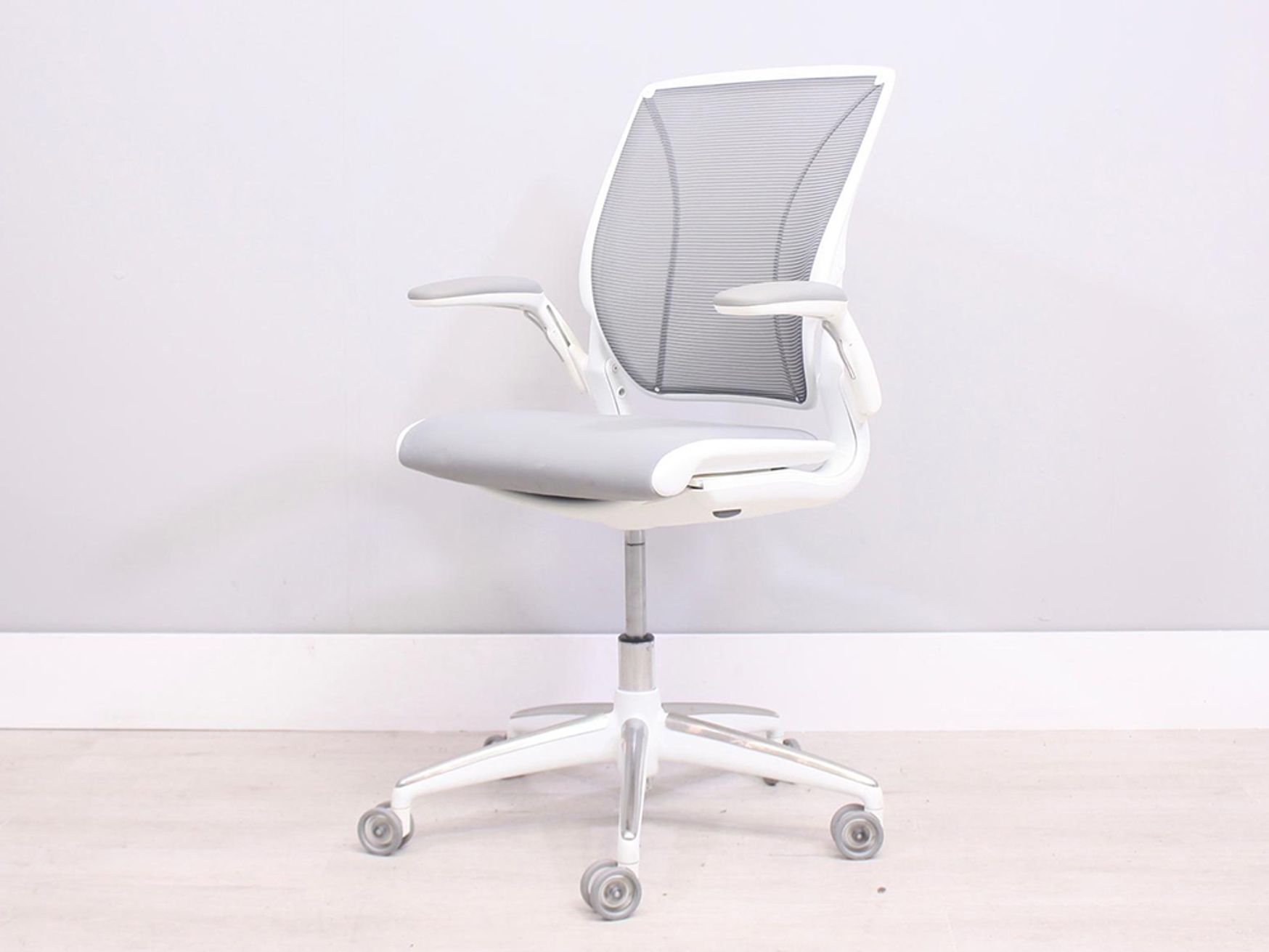 25 x Used Humanscale Diffrient World Chairs