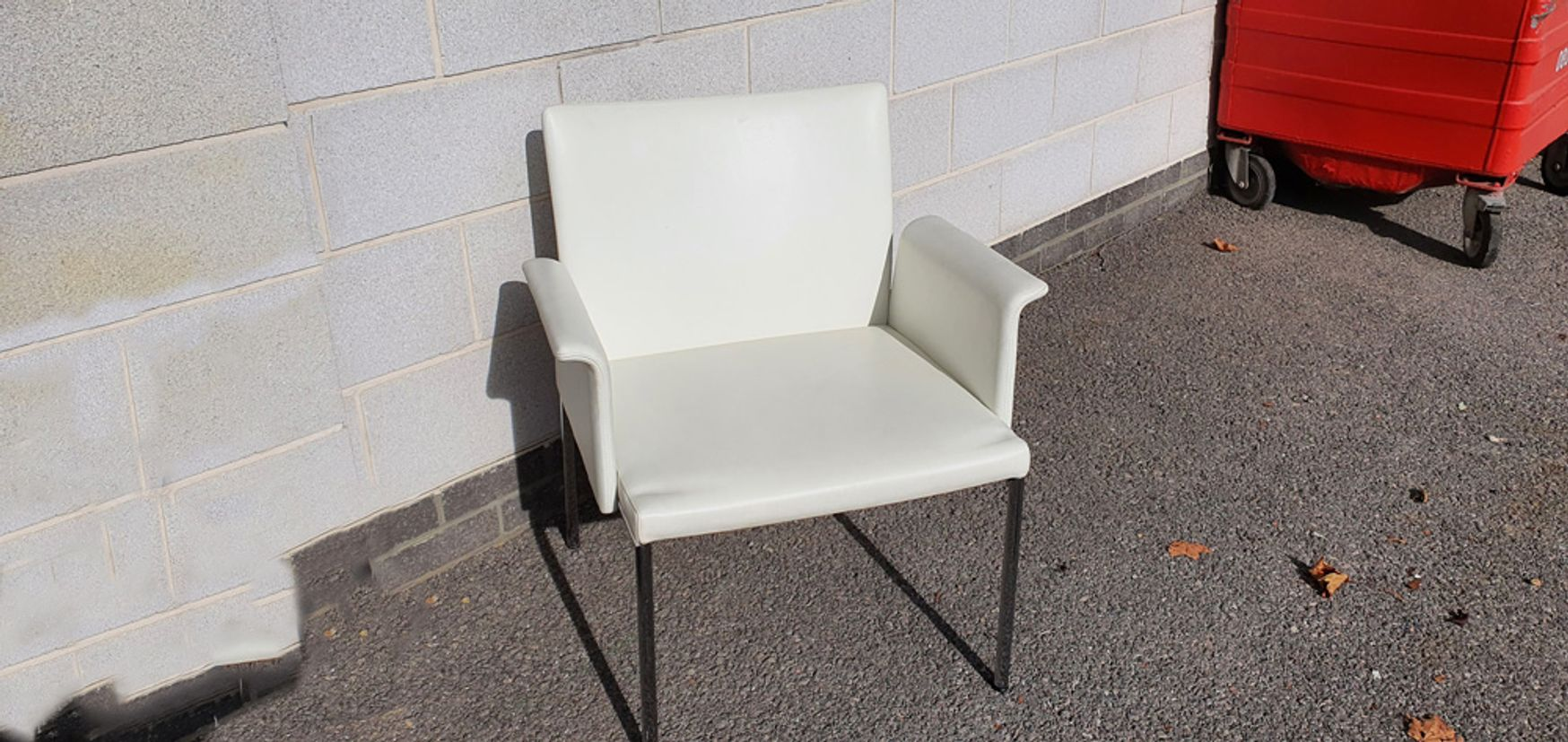 White leather Brunner 'Fina Lounge Chairs'