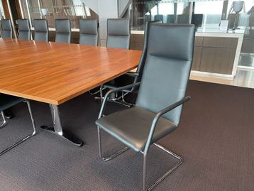 Stunning used Brunner 'Finasoft' meeting chairs in high grade black leather