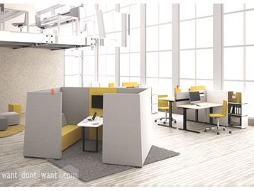4-person meeting booth with table