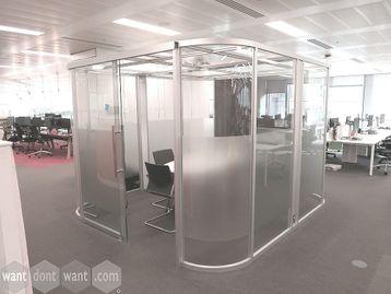 Used Boss Design used 'Vista' glass meeting pod.