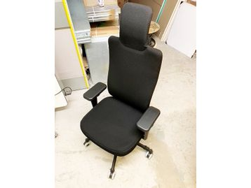 Brand New Vitra 'Headline' chairs - genuine cancelled order! Extremely good price.