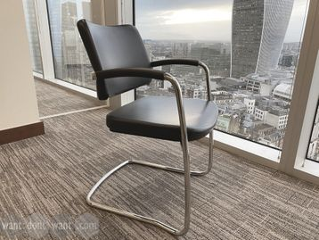 High quality used Boss 'Pro Visitor' black leather meeting chairs