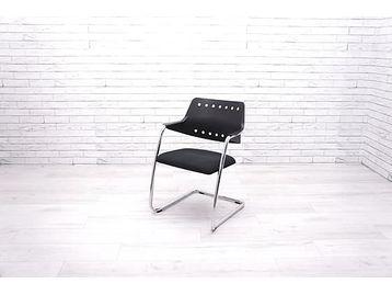 Used Girsberger Garantie 3300 stacking cantilever meeting chairs.