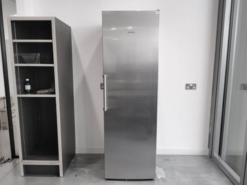 Used Siemens IQ300 stainless steel fridge in very good condition