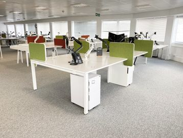 1 x Used Vitra 8-person WorKit bench desks. Each desk position 1500mm wide x 800mm deep.