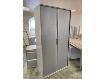 Used tall grey Bisley storage cupboard with shelves. 1000mm wide x 470mm deep x 1980 high.