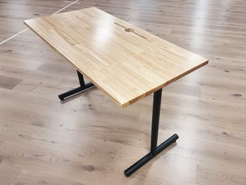 Used 1220mm Wooden Desks with 'T' Legs