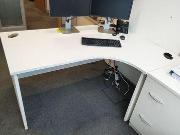 Used 1600mm White Panel Ended Corner Desk