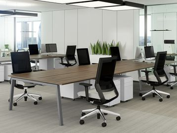 Used 1400mm Elite Linnea Desks