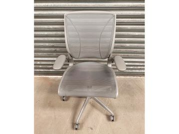 Used Grey Mesh Humanscale 'Diffrient World' Operator Chair