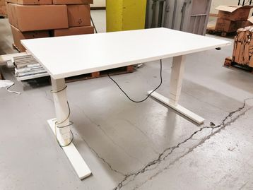 Used 1400mm White <b>Electric Sit Stand Height Adjustable Desks</b>