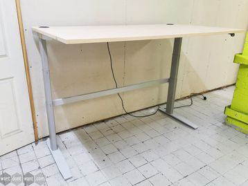 Used 1800mm Electric Sit Stand Desk/Table