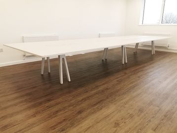 Used 6000mm Vitra Joyn Bench Desk/Collaborative Workstation