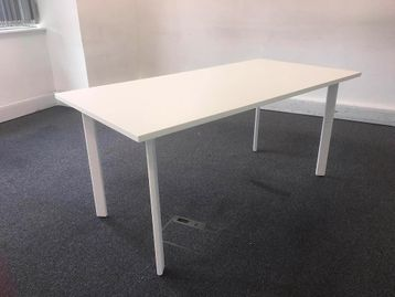 Used 1600mm White Sven Meeting Table