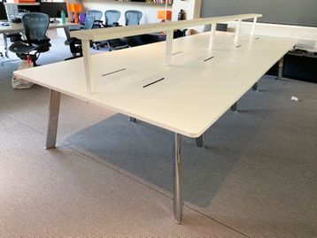 Used 1050mm Ergonom 8-person Agile Work Desk/Table with LED lighting