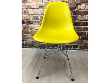 Used Vitra Eames Plastic Side Chair DSR