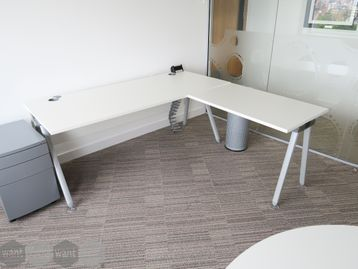 Used 1800mm Senator 'Core' White Executive Desk with Return