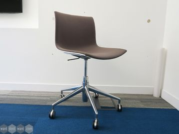 Used Arper Catifa 46 Chairs - Poor Condition