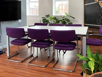 Used Meeting Table & 8 Vitra Visavis Chairs - Sold as a set