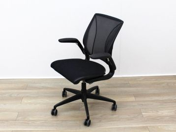 Humanscale 'Diffrient World' Operator Chairs with Black Mesh Backs and Black Fabric Seats