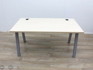Used 1400mm Maple Desk